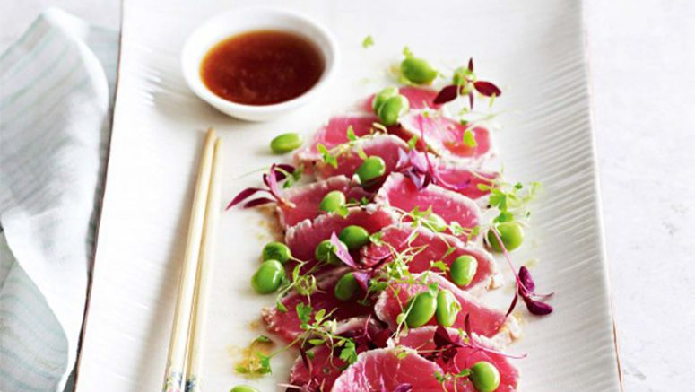 Tuna tataki with sesame and ginger dressing