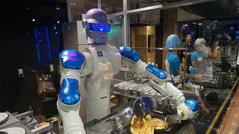 Robot chef mans the griddle at theme park in Nagasaki