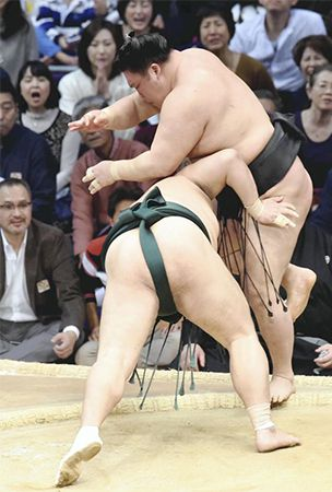 Goeido dealt blow in bid for yokozuna
