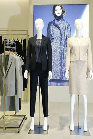 Retailers tailor wardrobes for business