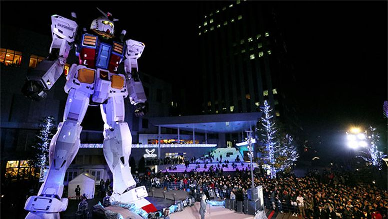 Gundam fans bid farewell to beloved giant robot in Odaiba