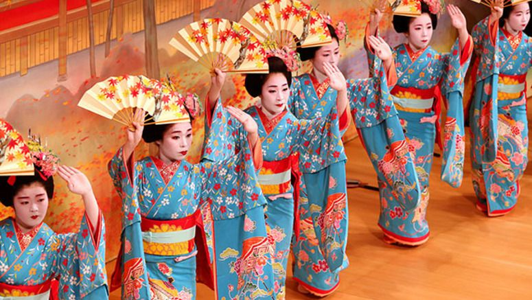 Not-to-be-missed opportunity to watch Kyoto's geisha, 'maiko' perform