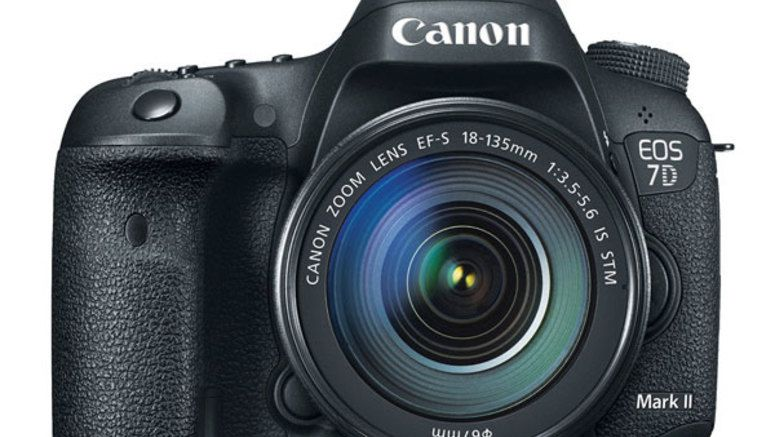 Canon releases firmware version 1.1.1 for EOS 7D Mark II