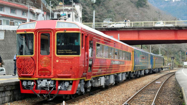 Sales skyrocket unexpectedly for unlimited rail pass in Shikoku