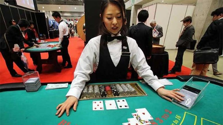 Online Poker Behind The Scenes Life Style Japan Bullet