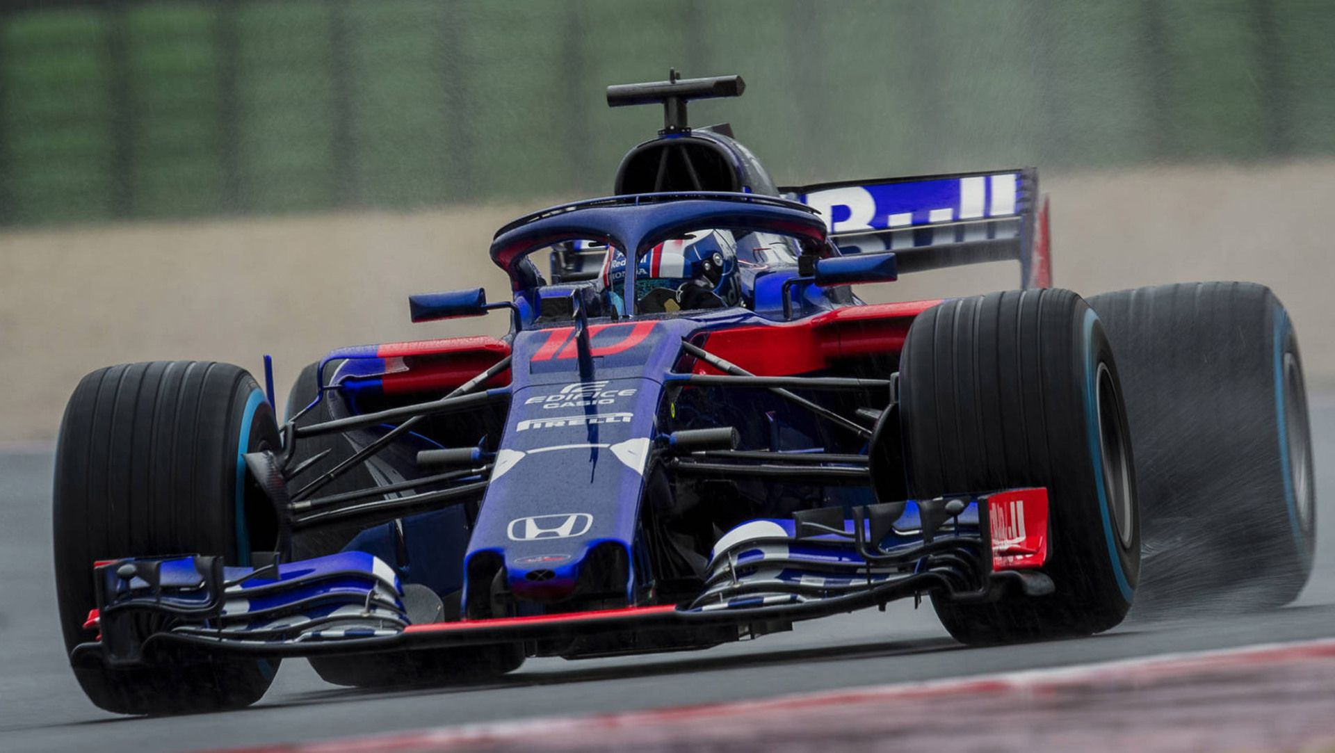 scuderia toro rosso reveals its new honda powered str13 auto moto japan bullet. Black Bedroom Furniture Sets. Home Design Ideas