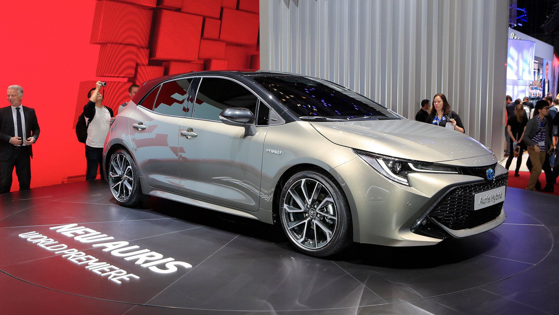 2019 Toyota Auris Says No To Diesels Debuts New 178hp Hybrid Auto
