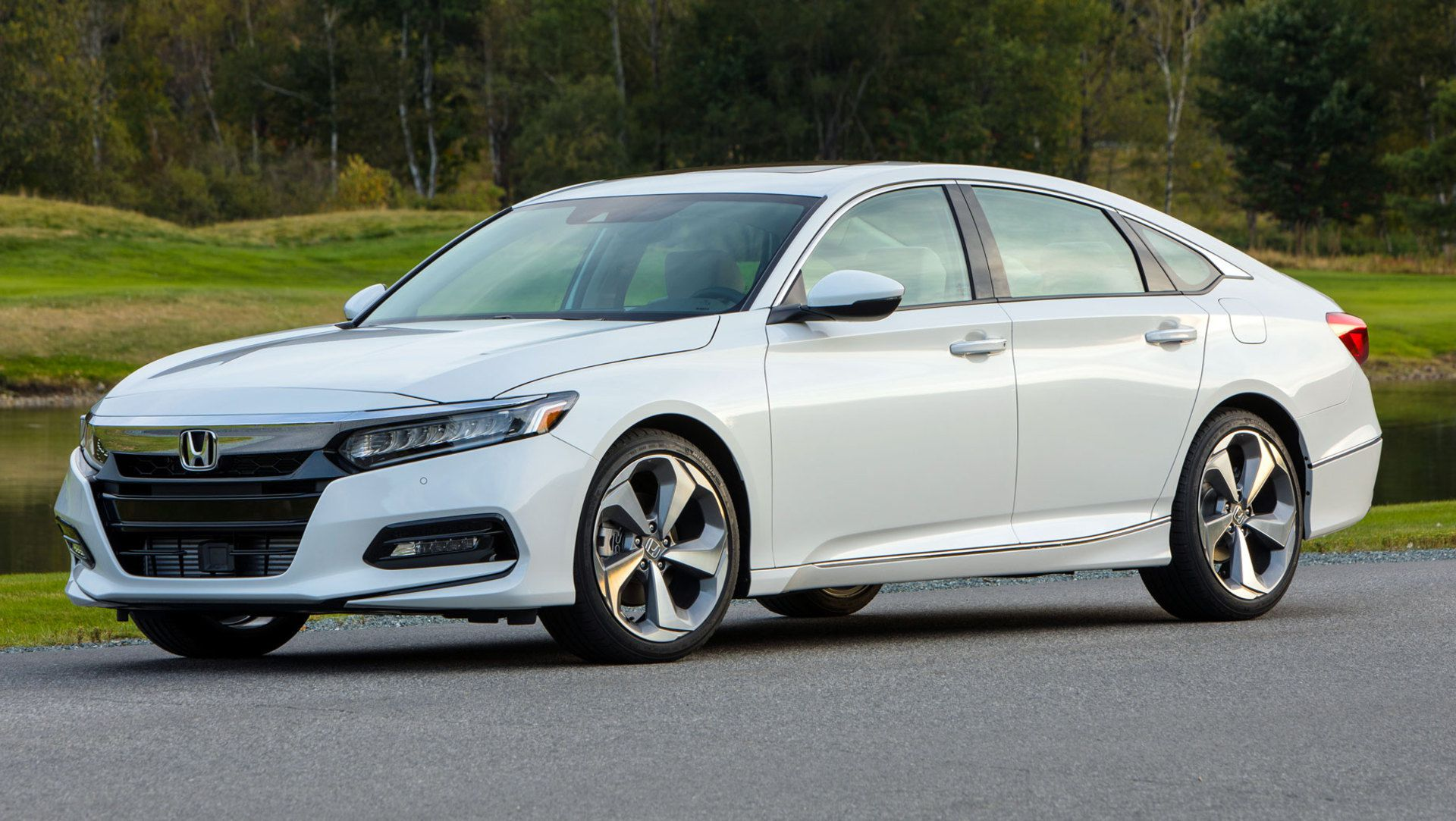 Honda Dealers Struggling To Sell 2018 Accord Due To Poor Lease
