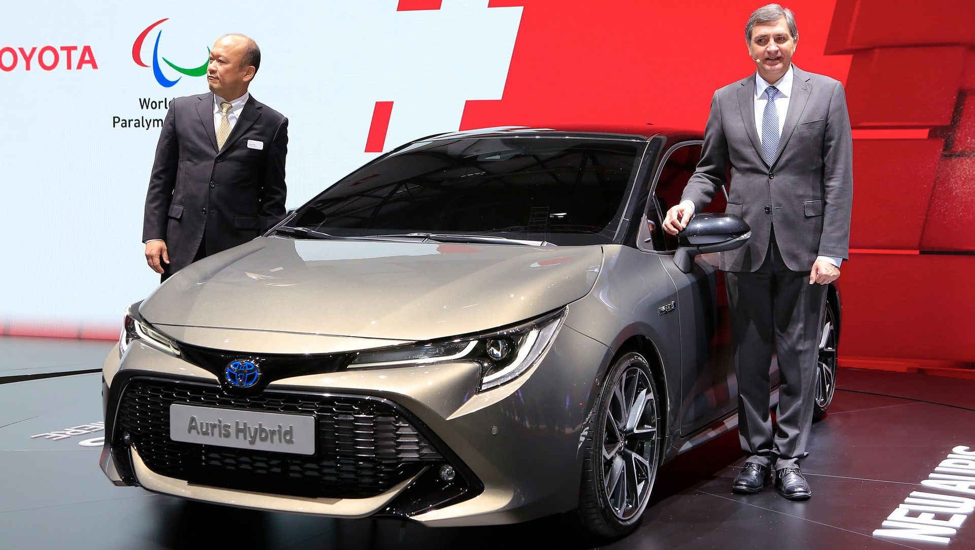 Toyota Chr Hybrid >> 2019 Toyota Auris Says No To Diesels, Debuts New 178HP ...