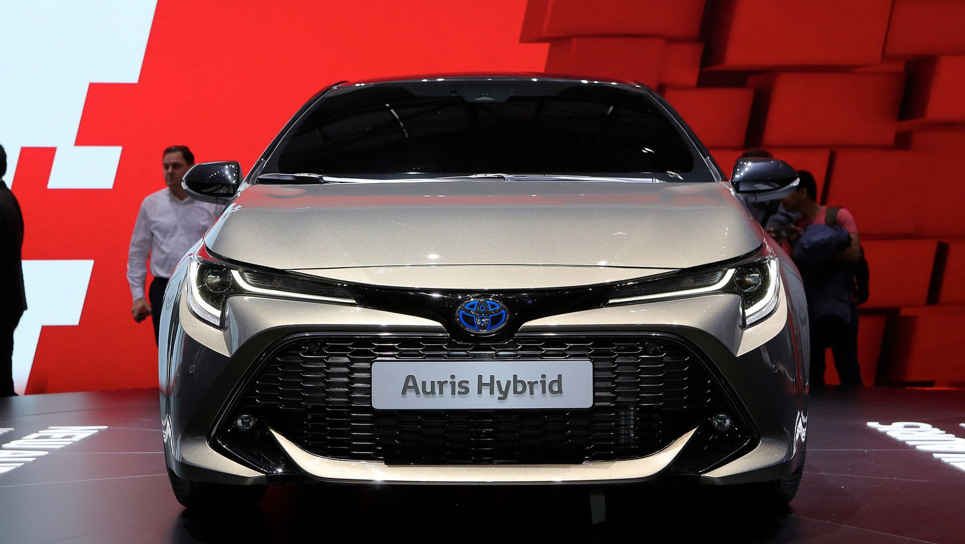 2019 toyota auris says no to diesels debuts new 178hp hybrid auto moto japan bullet. Black Bedroom Furniture Sets. Home Design Ideas