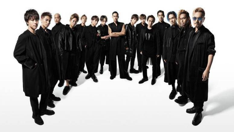 One thousand male fans participate in PV for EXILE's 'Heads or Tails'