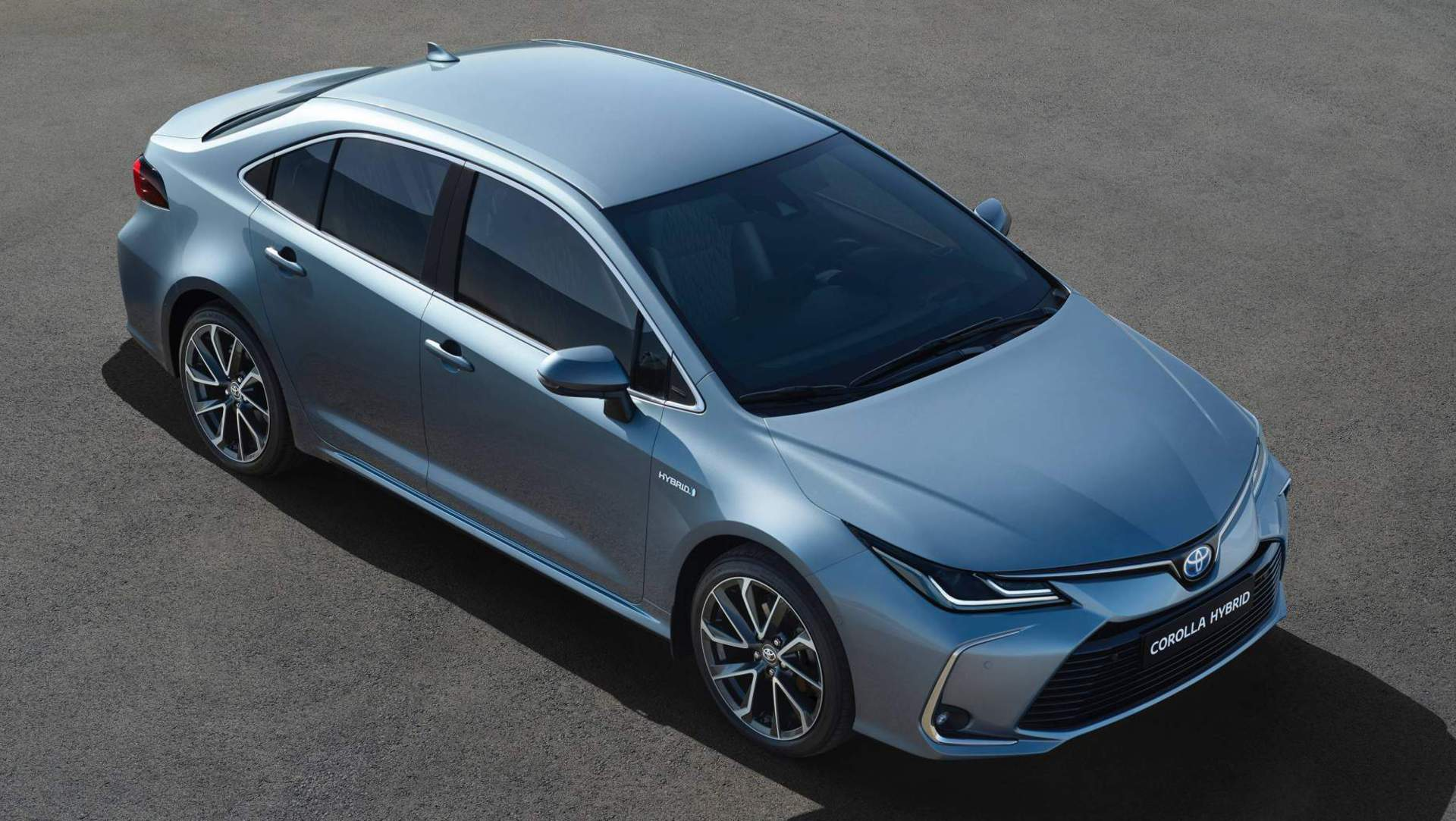 Europe S 2019 Toyota Corolla Sedan Gains Hybrid Version For The