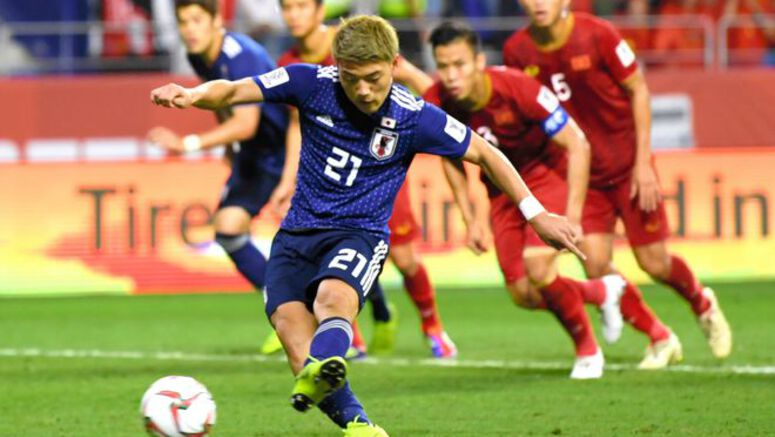 SOCCER/ No sign of inexperienced Japan throwing off the shackles