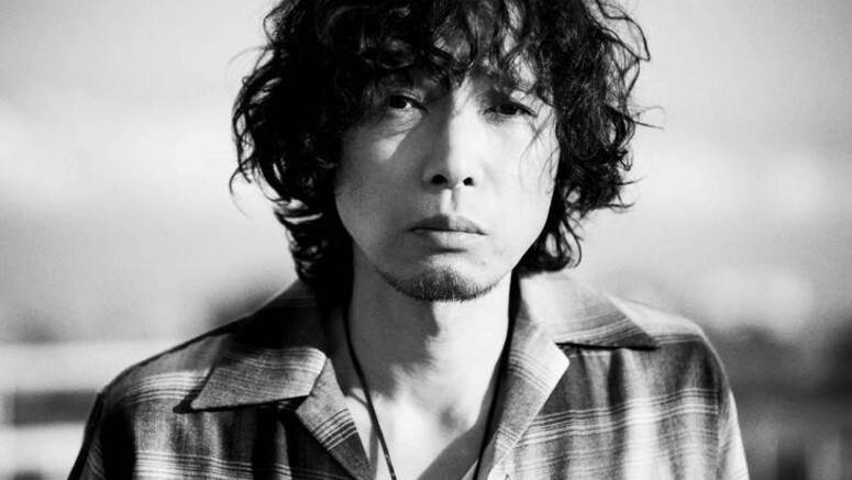 Saito Kazuyoshi shoots PV for 'Are' with his smart phone