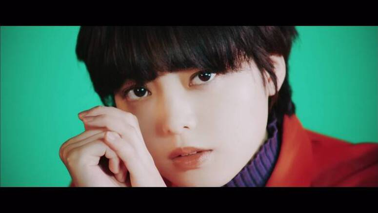 Keyakizaka46 show their feminine side in PV for 'Nobody'