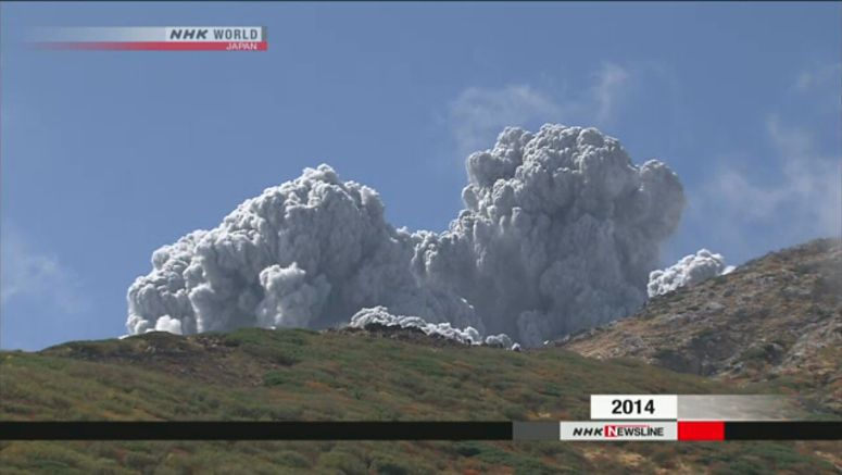 5 years after eruption, climbers return to Ontake