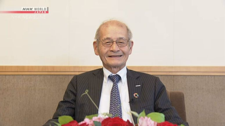 Nobel winner Yoshino back in the lecture hall