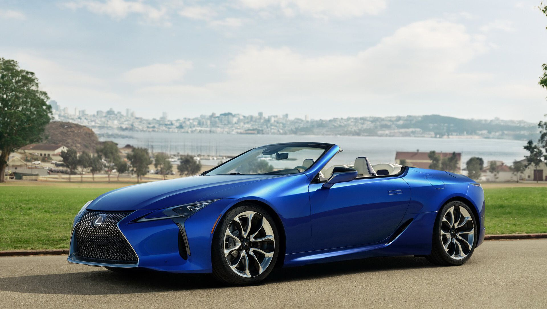 The New 2021 Lexus LC500 Convertible Gives Us Tingles ...