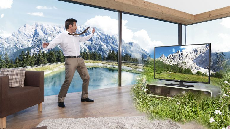 Toshiba ships 55-inch glasses-free 3D TV