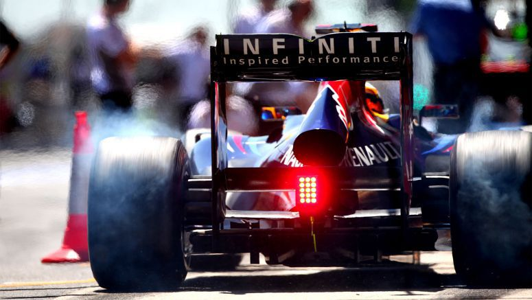 Infiniti and ed Bull releases re-edit of F1 car in Lincoln Tunnel with only engine sounds