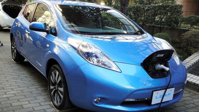 Nissan upgrades Leaf electric car, lowers price