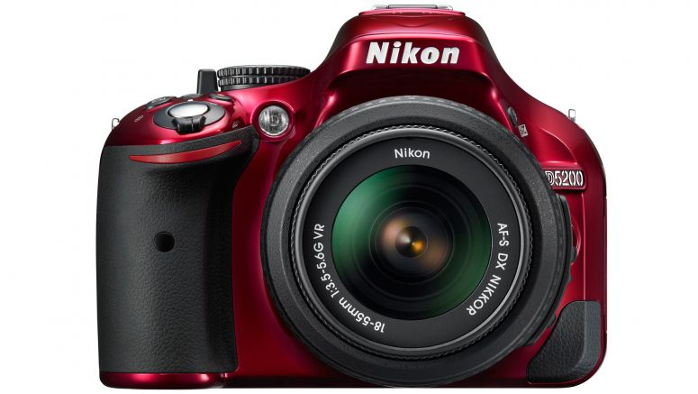 CES 2013 : Nikon D5200 to reach US photographers in late January
