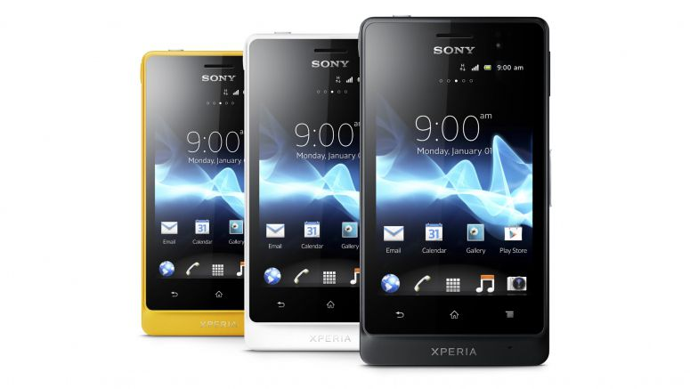 Sony ships Xperia advance to the US, offers unlocked ruggedness for $300 or less