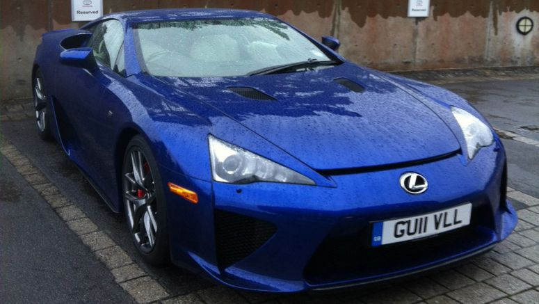 PHOTO : The only Lexus LFA in the UK