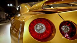 2013 Detroit : Usain Bolt Gold GT-R Crowns Nissan Booth