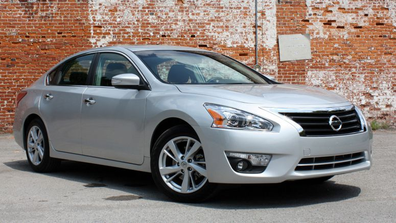 2013 Nissan Altima At-a-Glance