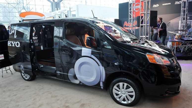 2013 New York Auto Show : Nissan NV200 finds new work as ambulance, Gibson guitar repair truck