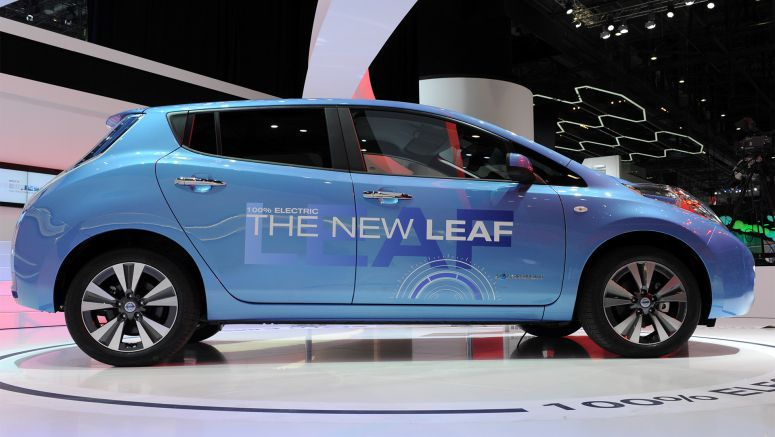 Nissan Leaf sales up again in February 2014, Chevy Volt dips deeper