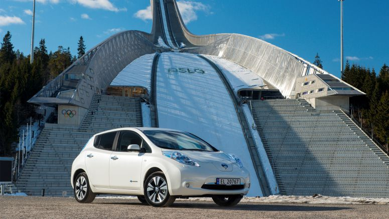 Nissan Leaf Storms Sales Charts To Outsell Internal Combustion Rivals