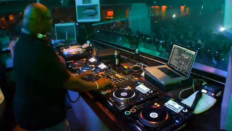 VIDEO : Pioneer DJsounds - The global DJ scene