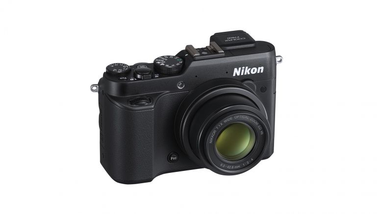 IFA 2013 Berlin : Nikon focuses on prosumers with full-function Coolpix P7800 point-and-shoot