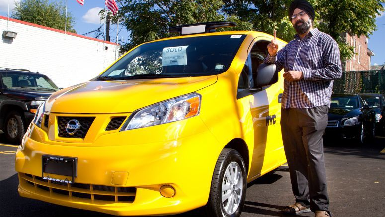 "New York Proclaims ""Hail Yes!"" as First Nissan NV200 Taxicab Hits the Streets of Manhattan"
