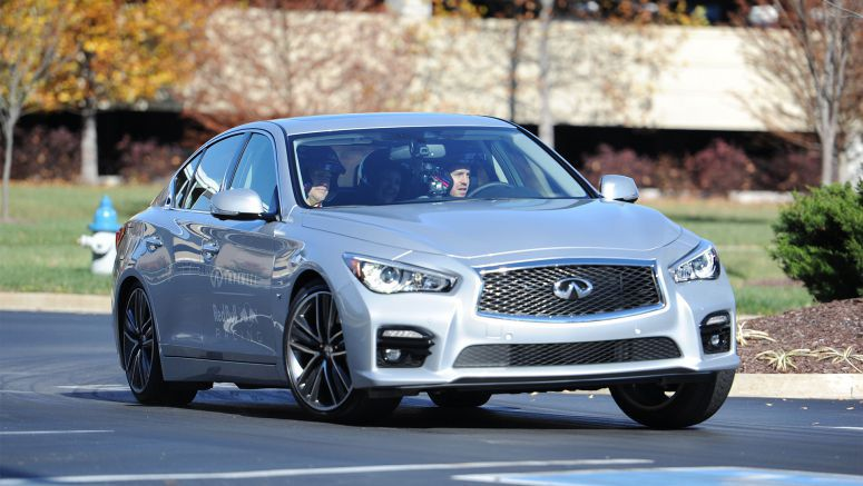 Sebastian Vettel Tests the Infinti Q50 at Nashville Superspeedway Ahead of the US Grand Prix