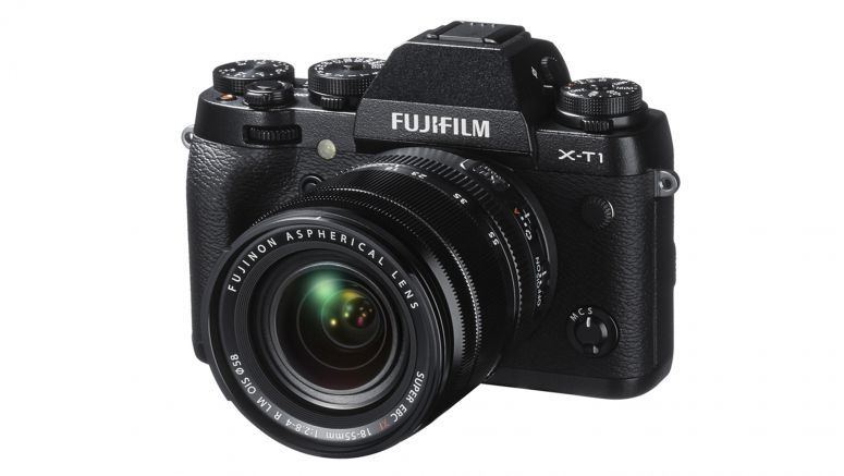 Fujifilm's weather-resistant X-T1 camera ships next month for $1,300