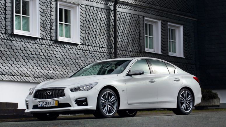 2014 Geneva Auto Show : Infiniti Launches Q50 with New 214PS 2.0-liter Turbo Engine