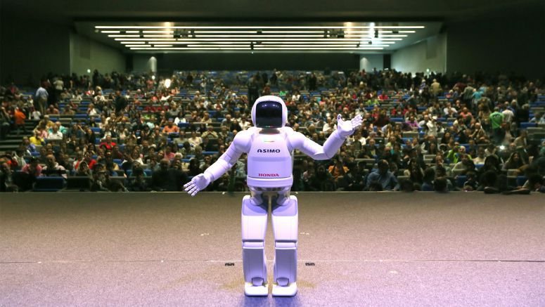 ASIMO Opens the Doors to New European Science Facility