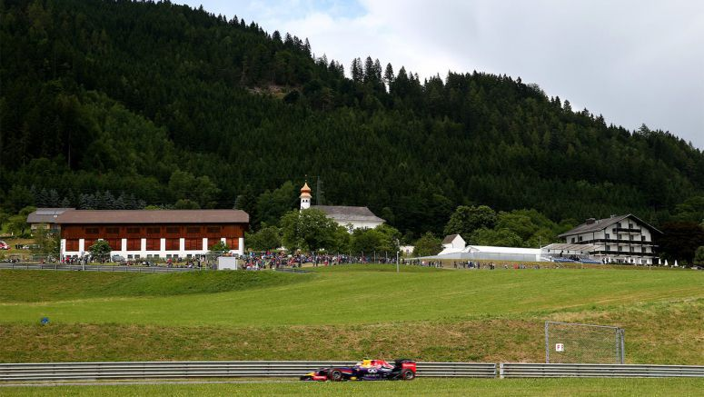 Infiniti Red Bull Racing : The Hills Come Alive...