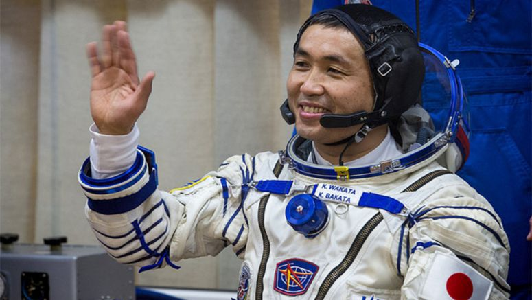 Astronaut Wakata hopes more Japanese will follow him as commander