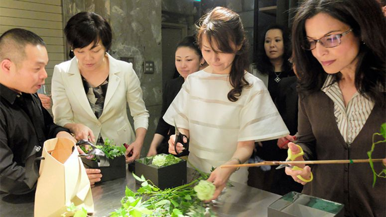 Ikebana classes offer chance for diplomats, public to mingle