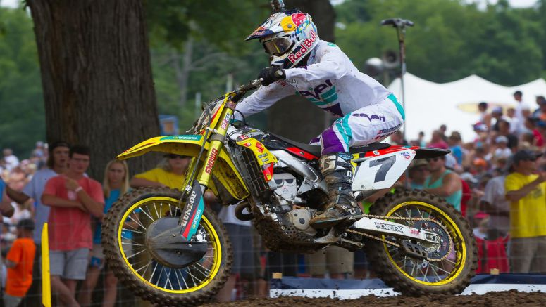 Suzuki : Stewart Fights Back At Muddy Creek