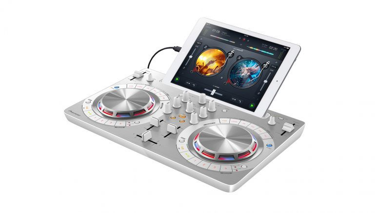 Pioneer DDJ-WeGO3 gives DJs the freedom to mix with millions of tracks from Spotify or iTunes