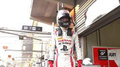 Nissan : What does a professional race car driver think about before a race?
