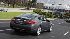 Infiniti Q70 price cut $7500 to encourage greater sales