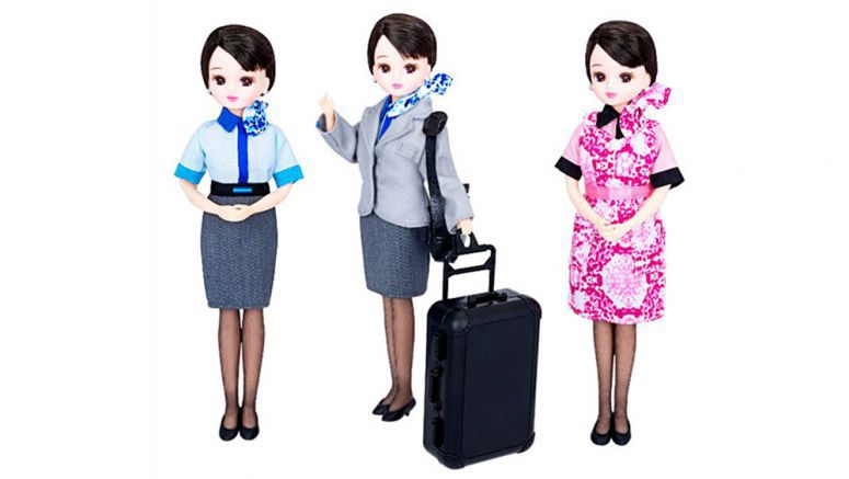 Licca-chan dolls in ANA uniforms to take flight
