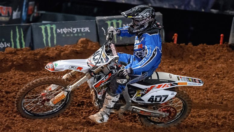 Honda : Chatfield defies injury to head Honda Arenacross chase
