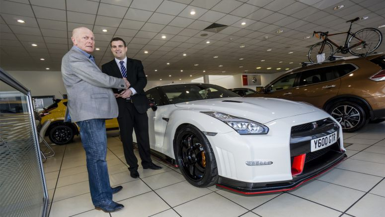 First UK Customer of the Nissan GT-R Nismo Gets Special Treatment